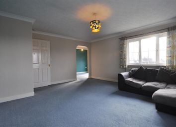 Thumbnail 2 bed flat to rent in Glastonbury Court, Bradford