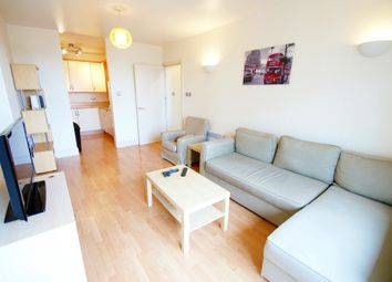 Thumbnail 1 bed flat to rent in Queen Street, Cardiff