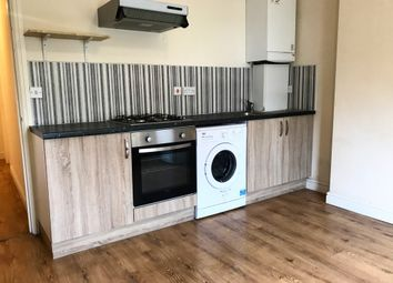 Thumbnail 2 bed flat to rent in Havering Road, Romford, London