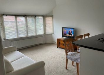 2 bed maisonette to rent in Hamilton Road, London NW11