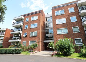 2 bed flat for sale in Hendon Lane, London N3