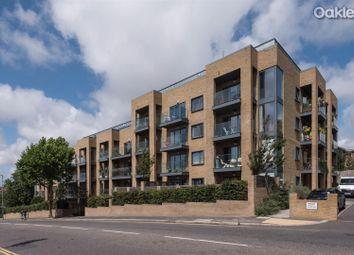 Hove Park Gardens, Hove BN3. 3 bed flat for sale
