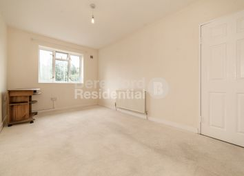 Thumbnail 1 bed flat to rent in Vale Street, London