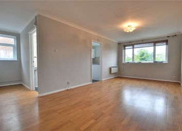 2 bed maisonette to rent in Avondale Avenue, Staines-Upon-Thames, Surrey TW18
