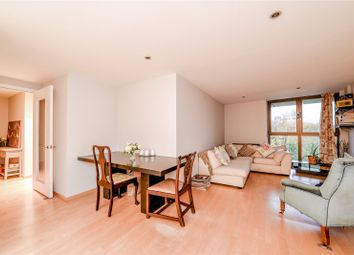 Carter House, 33 Petergate, London SW11. 2 bed flat for sale