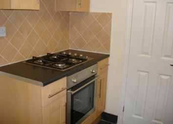 Thumbnail 2 bed property to rent in Connaught Road, Reading