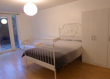 Room to rent in Spanby Road, London E3
