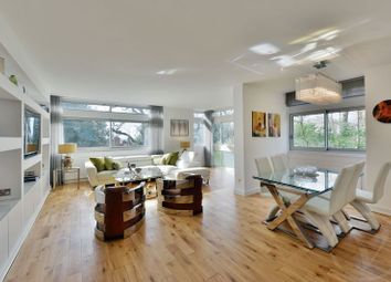 Thumbnail 3 bed flat for sale in Oak Hill Park, Hampstead, London