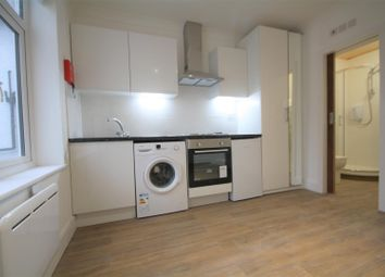 Thumbnail 1 bedroom flat to rent in Station Road, Amersham