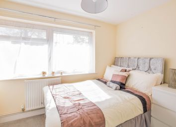 Thumbnail Room to rent in Parkfield Close, Crawley