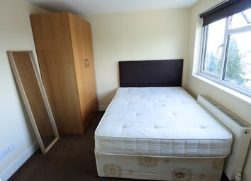 Room to rent in Crest Road, Neasden NW2
