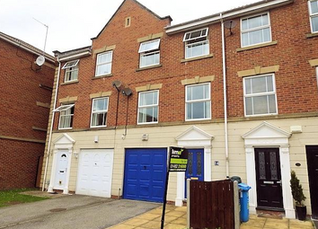 3 bed terraced house to rent in Lock Keepers Court, Victoria Dock HU9