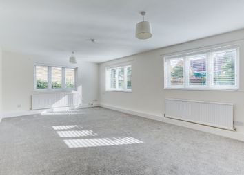 Thumbnail 2 bed flat to rent in London Road, Sawbridgeworth