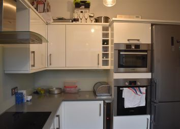 Thumbnail 1 bedroom property to rent in Platinum Mews, London