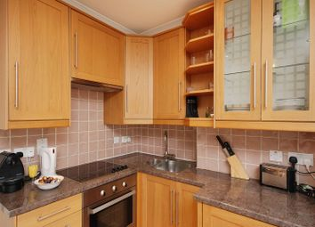 Thumbnail 1 bed flat to rent in King's Cross Road, King's Cross