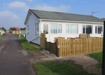 Thumbnail 2 bedroom mobile/park home for sale in 82A Seventh Avenue, South Shore Holiday Village, Bridlington