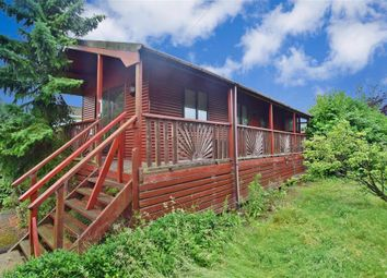 2 bed mobile/park home for sale in Little Venice Country Park, Yalding, Maidstone, Kent ME18