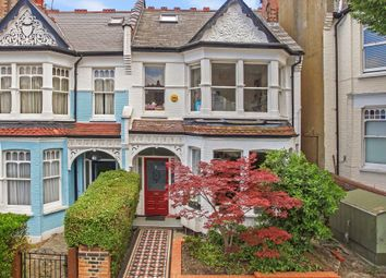 Thumbnail 2 bedroom flat to rent in Rosebery Road, Muswell Hill