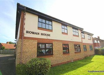 Thumbnail 2 bed flat for sale in Hatton Road, Bedfont, Feltham