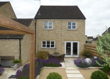 Thumbnail 3 bed property for sale in Perrinsfield, Lechlade