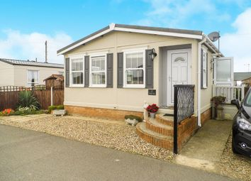 Thumbnail 2 bedroom mobile/park home for sale in Coast Road, Walcott, Norwich