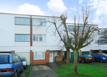 Thumbnail Studio to rent in Sovereign Close, Ealing