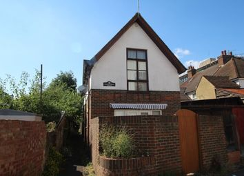 Thumbnail 1 bed flat to rent in Queen Street, Ashford