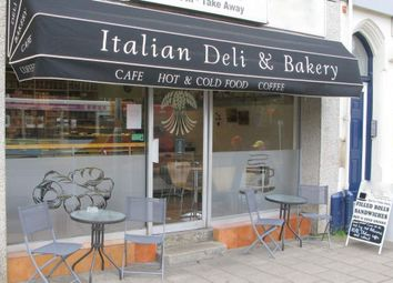 Thumbnail Retail premises for sale in Hawthorn Road, Kettering