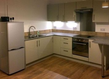 Thumbnail 1 bed flat to rent in South End, Bookham, Leatherhead