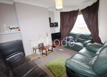 Thumbnail 5 bed property to rent in Delph Mount, Leeds, West Yorkshire