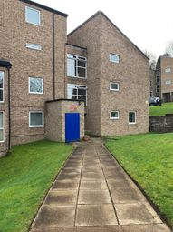 2 bed flat to rent in Frizley Gardens, Bradford BD9