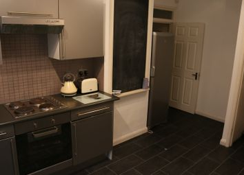 Thumbnail 3 bedroom flat to rent in Old Station Road, Loughton