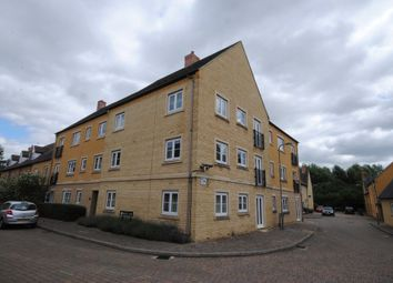 Thumbnail 2 bed flat to rent in Mead Lane, Witney