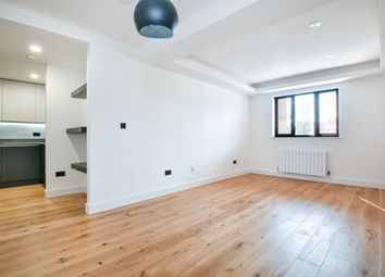Hulme Place, London SE1. 3 bed flat