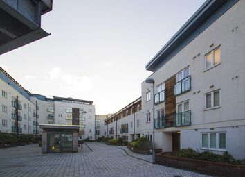 Thumbnail 2 bed flat to rent in Stane Grove, Clapham North, London