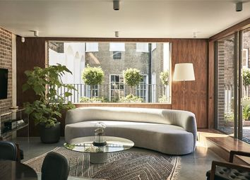 Thumbnail 3 bedroom flat to rent in Weymouth Mews, Marylebone, London