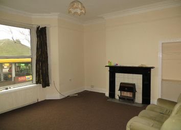 Thumbnail 3 bed flat to rent in Princes Avenue, Hull