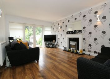3 bed property for sale in Grosvenor Crescent, Hyde SK14