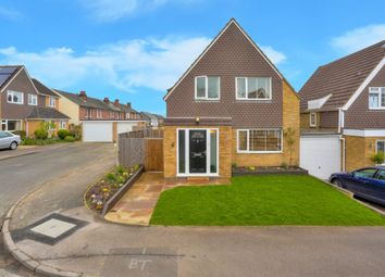 Thumbnail 3 bedroom detached house for sale in Field Close, Harpenden