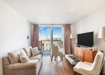 1 bed flat for sale in Whiting Way, London SE16