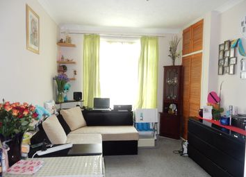 Thumbnail 1 bedroom flat for sale in Hencroft Sreet Southall, Slough