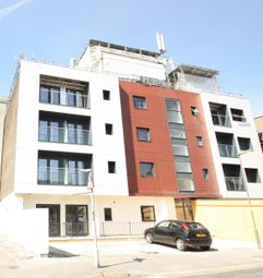 Thumbnail 1 bed flat to rent in Magna West, West Byfleet