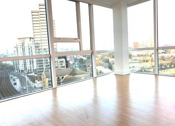 1 bed flat to rent in Lanark Squrae, Canary Wharf / London E14