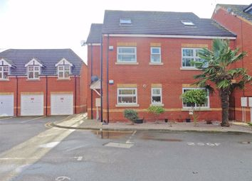 Thumbnail 2 bed flat to rent in Sandstone Gardens, Spalding