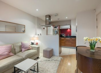 Thumbnail 1 bedroom flat to rent in Kennington Road, London