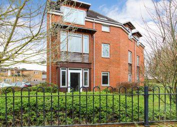 Thumbnail 2 bedroom flat for sale in Thurlow Grange, Newbury