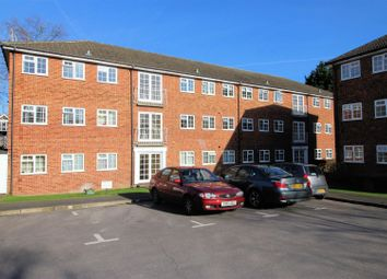 Thumbnail 2 bed flat to rent in Midhope Close, Woking