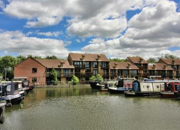Thumbnail 4 bed town house to rent in Woodley Headland, Peartree Bridge, Milton Keynes, Bucks