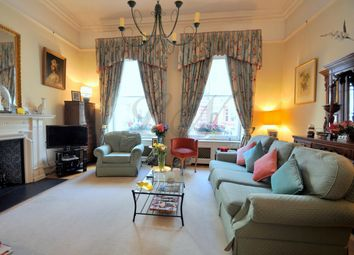 Thumbnail 2 bed flat to rent in Queen's Gate, Kensington