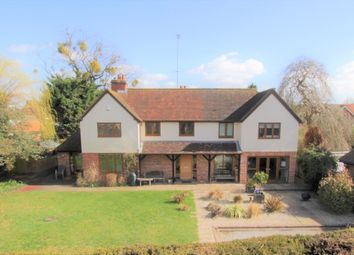 Thumbnail 6 bed detached house for sale in The Moors, Pangbourne